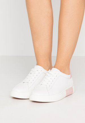 CUPSOLE LACE UP - Sneaker low - optic white/tutu pink