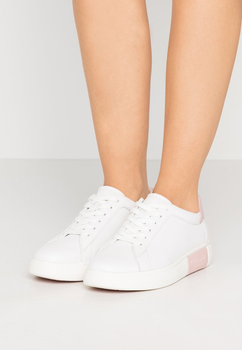 kate spade new york - CUPSOLE LACE UP - Sneakers laag - optic white/tutu pink