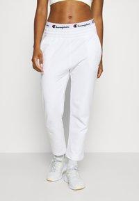 Champion - STRAIGHT PANTS - Joggebukse - white - 0