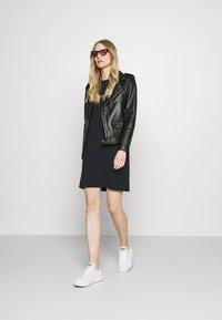 GAP - TEE DRESS - Jersey dress - true black - 1