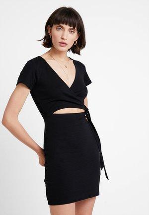 DETAIL DRESS - Vestido de punto - black