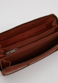FREDsBRUDER - ZIPPY  - Wallet - whisky - 5