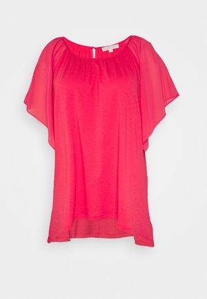 RUFFLED HANK - Print T-shirt - geranium