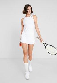 ASICS - CLUB DRESS - Sportovní šaty - brilliant white - 1