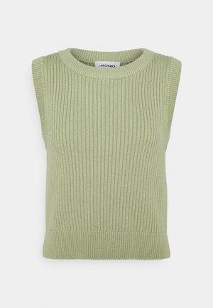 TEA  - Top - green
