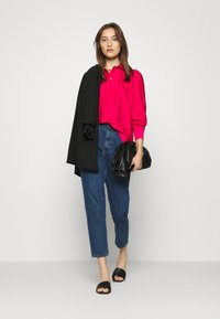 Tommy Hilfiger - SYLVIA BLOUSE - Button-down blouse - ruby jewel - 1