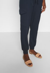 Kaffe - SILINA  - Tracksuit bottoms - midnight marine - 3