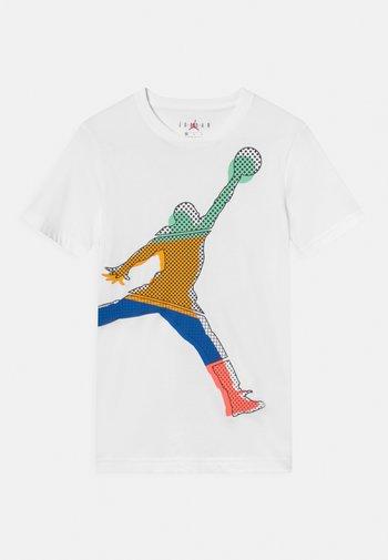 JUMPMAN MISMATCH TEE - T-shirt med print - white