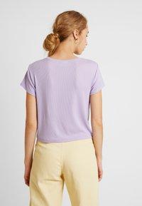 Weekday - FRANCES  - Basic T-shirt - purple - 2