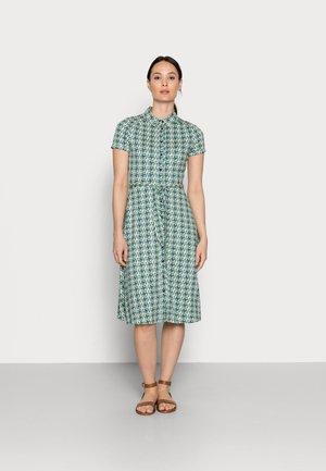 OLIVE CARSON - Jersey dress - peapod green