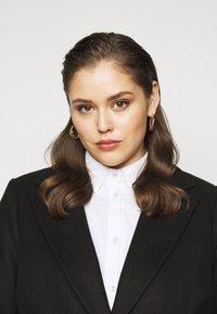 New Look Curves - JORDAN BELTED COAT - Classic coat - black - 3