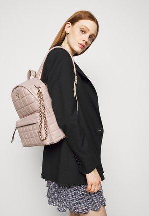 SLATER BACKPACK - Plecak - soft pink
