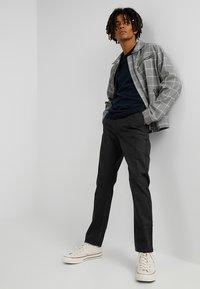 Jack & Jones - JJEBASIC - Stickad tröja - navy blazer - 1