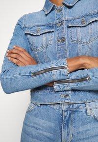 Guess - ADELYA ZIP - Kurtka jeansowa - dolby - 6