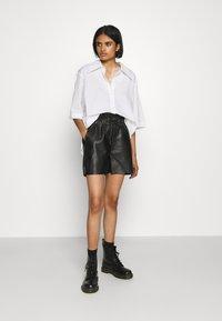 Noisy May - NMELISA - Shorts - black - 1