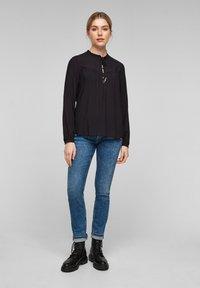 Q/S designed by - MIT TUNIKA-AUSSCHNITT - Long sleeved top - black - 1