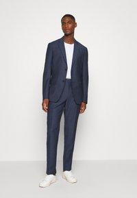 Calvin Klein Tailored - SPECKLED SUIT - Suit - blue - 0
