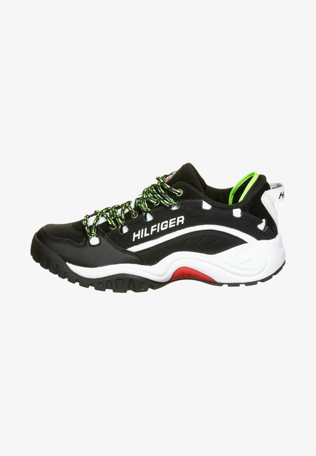 HERITAGE  - Sneakers laag - black/green