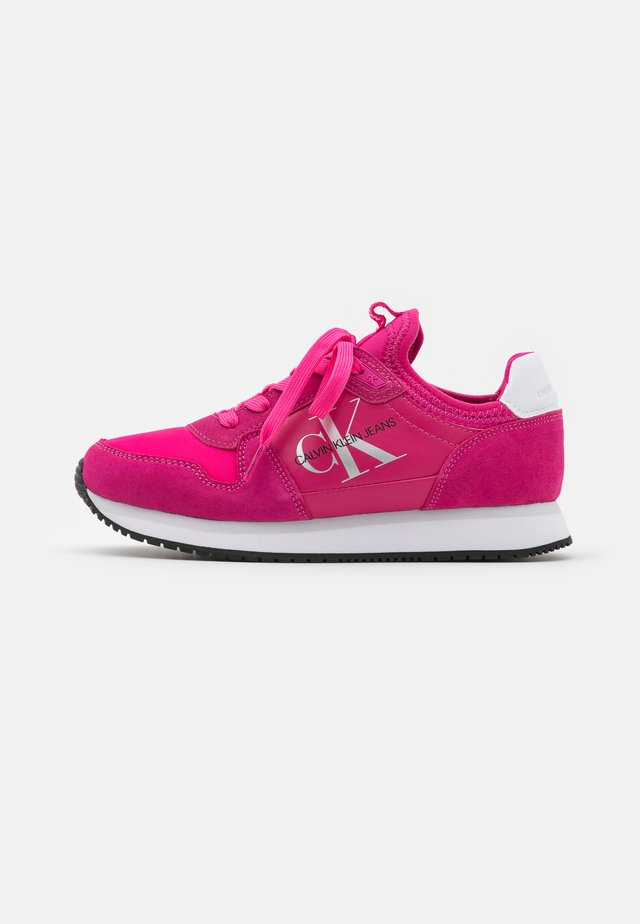 RUNNER SOCK LACEUP  - Sneakers laag - party pink