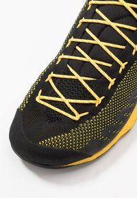 La Sportiva - TX2 - Lezecká obuv - black/yellow - 5