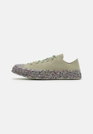 RENEW CHUCK 70 RECYCLED KNIT UNISEX - Trainers - light field surplus/string/barely volt