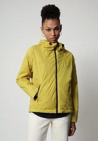 Napapijri - A-CIRCULAR - Light jacket - yellow moss - 0