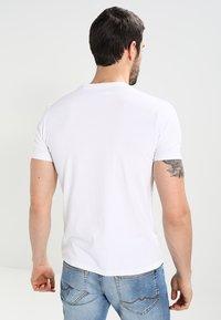 Schott - LOGO 2 PACK - Print T-shirt - black/white - 2