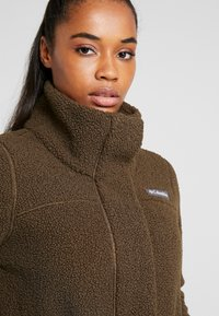 Columbia - PANORAMA LONG JACKET - Fleecová bunda - olive green - 3