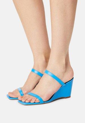 LEGAODDA - Wedge sandals - blue