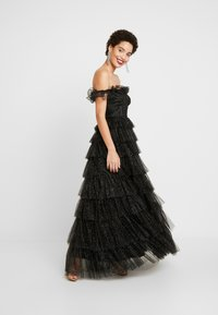 Maya Deluxe - GLITTER BARDOT MAXI DRESS WITH TIERED SKIRT - Vestido de fiesta - black - 2