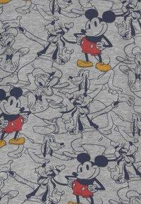 GAP - TODDLER BOY CREW MICKEY MOUSE - Sweatshirts - grey - 2