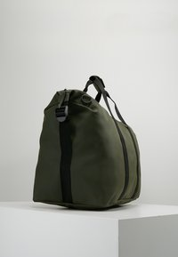 Rains - Weekend bag - green - 3