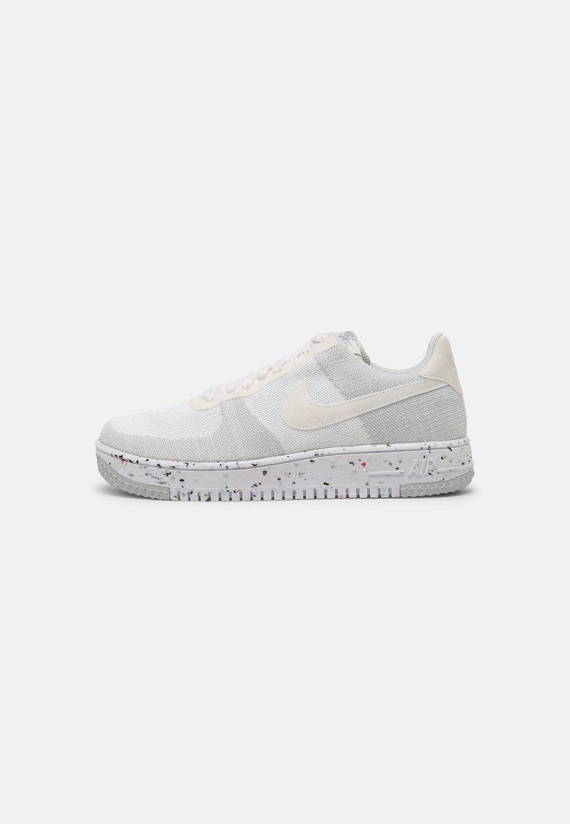 Nike Sportswear - AF1 CRATER - Matalavartiset tennarit - white/sail/wolf grey/black