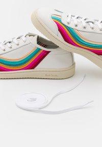Paul Smith - ZIGGY - Trainers - white swirl - 4