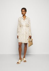 Bruuns Bazaar - DAHLIA OTHILLIA DRESS - Paitamekko - white cream - 1