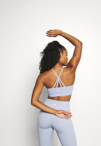 Cotton On Body - STITCHED TO PERFECTION CROP - Light support sports bra - baltic blue - 2