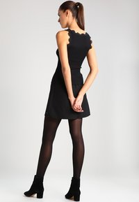 Rosemunde - REGULAR VINTAGE - Linne - black