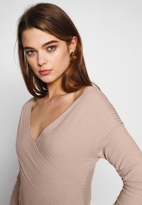 Nly by Nelly - CRISS CROSS SHOULDER - Long sleeved top - mauve - 3