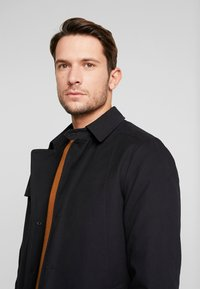 Selected Homme - SLHTIMES COAT  - Trench - black - 4