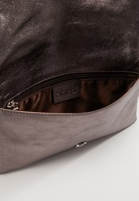 Abro - Clutch - taupe - 4