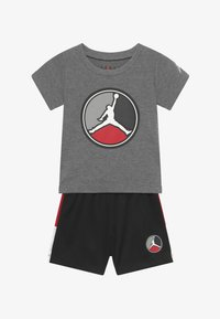 Jordan - FRONT CIRCLE TEE SET - Short de sport - black - 3