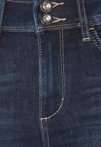 TOM TAILOR - KATE CAPRI - Shorts - dark stone wash denim - 2