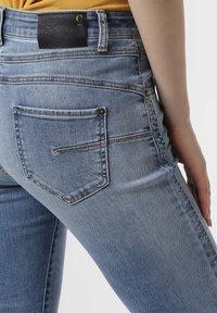 Cambio - Slim fit jeans - light stone - 2