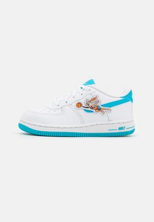 FORCE 1 SPACE JAM UNISEX - Trainers - white/light blue/fury white