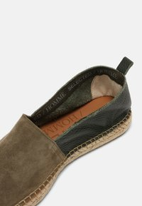 Selected Homme - SLHAJO NEW MIX - Espadrilky - grape leaf - 6