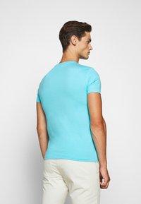 Polo Ralph Lauren - CUSTOM SLIM FIT JERSEY CREWNECK T-SHIRT - Basic T-shirt - french turquoise - 2
