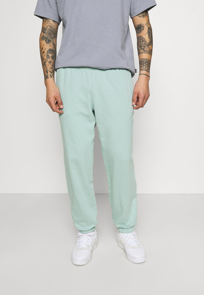 adidas Originals - PREMIUM UNISEX - Pantalon de survêtement - hazy green