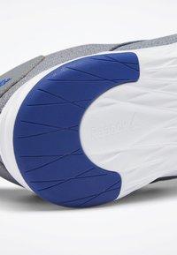 Reebok - REEBOK ASTRORIDE SOUL 2.0 SHOES - Sports shoes - grey - 6