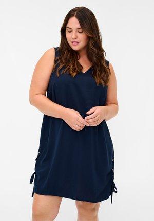 Day dress - medieval blue