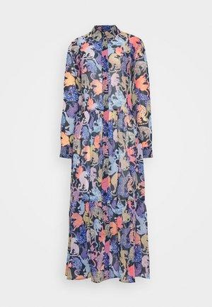 COLLINA DRESS - Skjortekjole - blue